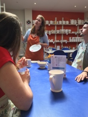 A lesson in pottery painting
