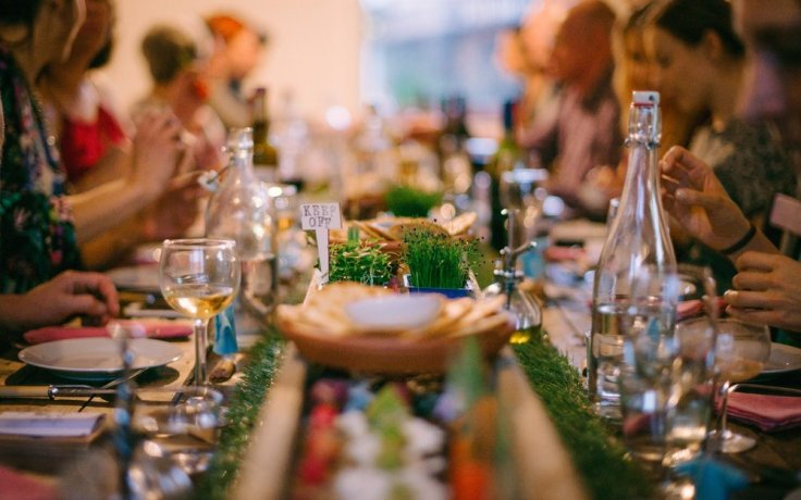 A_Banquet_In_Toad_Hall_Main